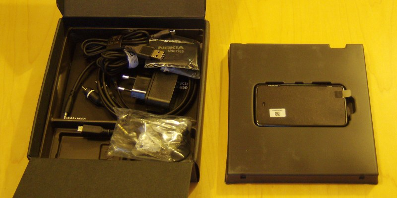 N900 Unboxing 6
