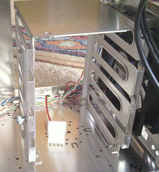 "Lian Li PC-8N 3.5"" hard drive cage"