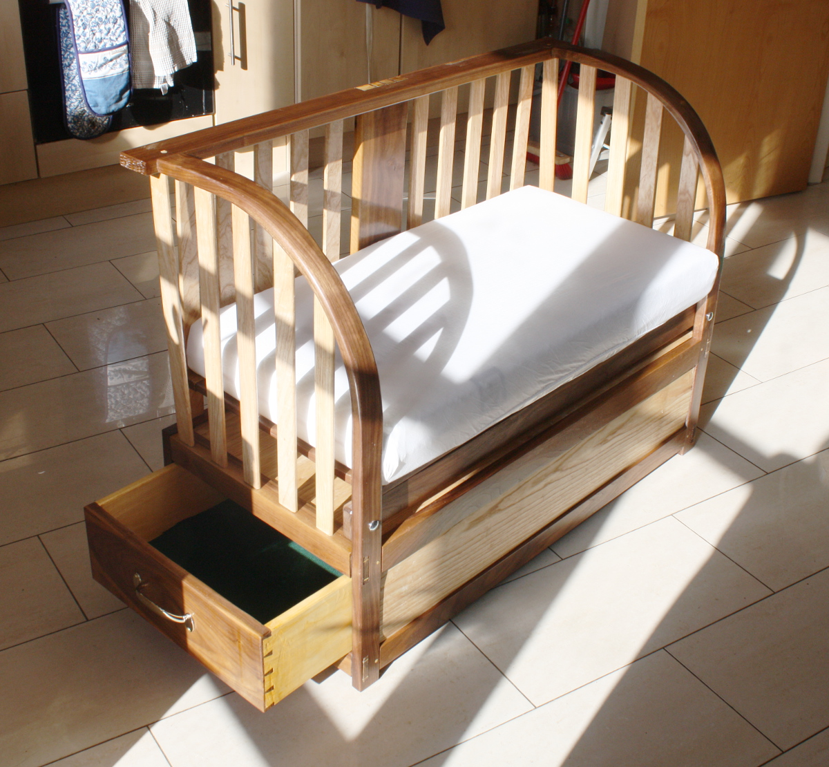 Finished cot